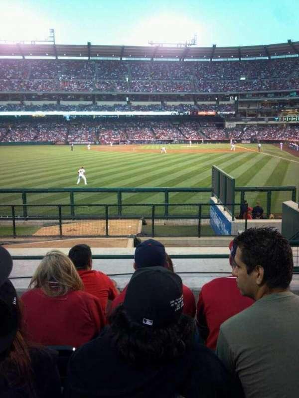 Angel Stadium, sección: P259, fila: L, asiento: 22