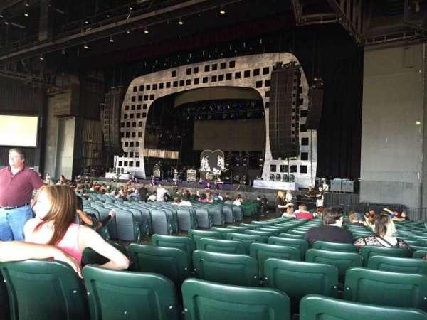 BB&T Pavilion, sección: 100, fila: Y, asiento: 8