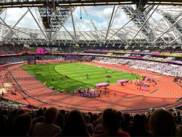 London Stadium, sección: 245, fila: 61, asiento: 142
