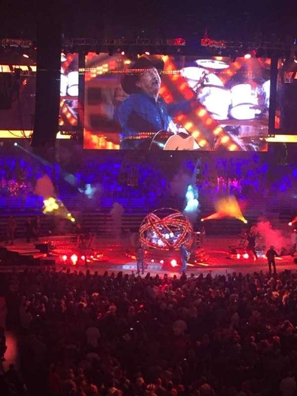 Honda Center, sección: 302, fila: D, asiento: 11