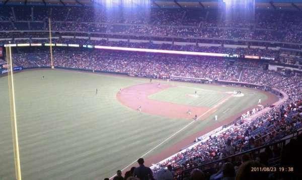 Angel Stadium, sección: V505, fila: L, asiento: 14