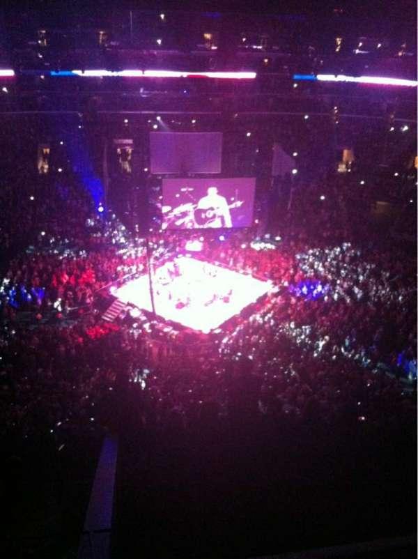 Staples Center, sección: 318, fila: 8, asiento: 30