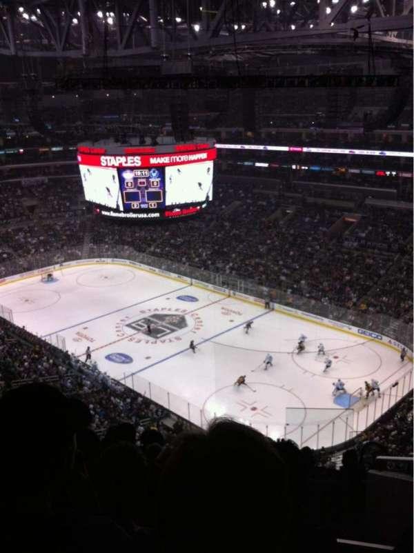 Staples Center, sección: 331, fila: 8, asiento: 3