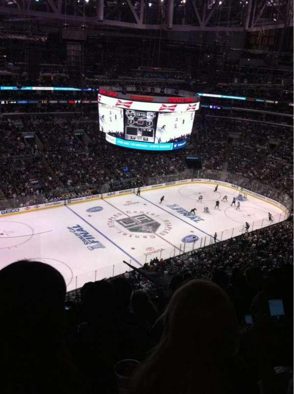 Staples Center, sección: 321, fila: 10, asiento: 13
