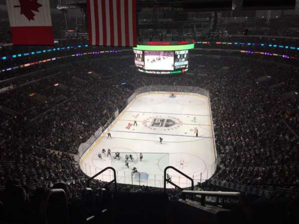 Staples Center, sección: 325, fila: 7, asiento: 26