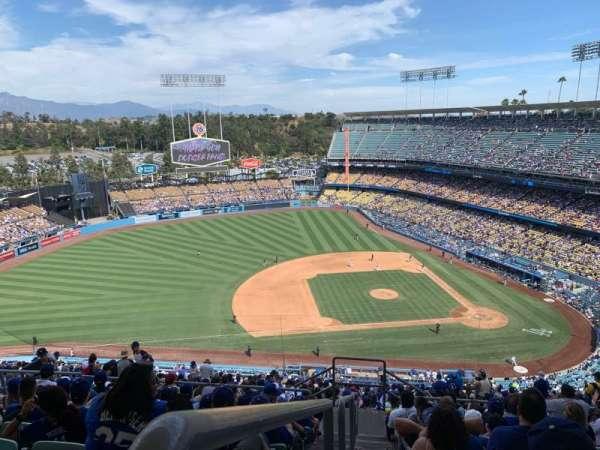 Dodger Stadium, sección: 17RS, fila: JJ, asiento: 23
