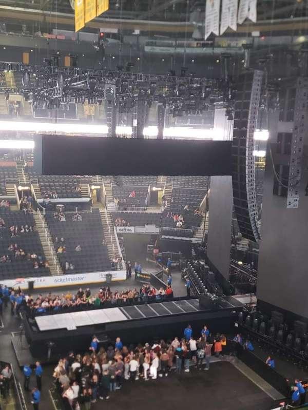 TD Garden, sección: Bal 330, fila: 1, asiento: 17and18