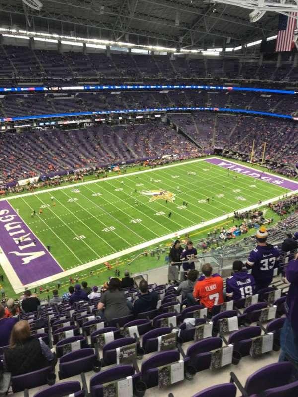 U.S. Bank Stadium, sección: 346, fila: 13, asiento: 9