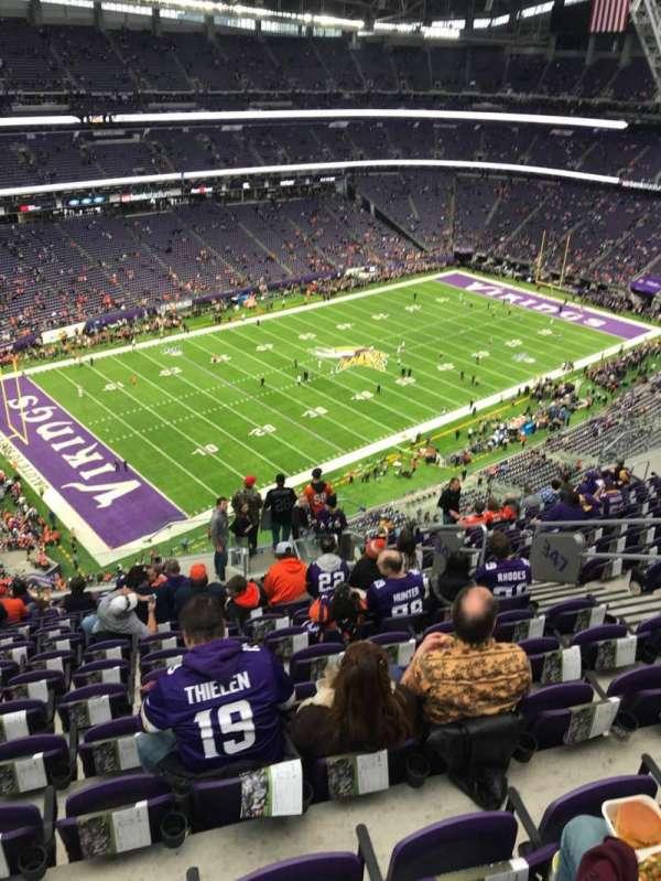 U.S. Bank Stadium, sección: 347, fila: 15, asiento: 8