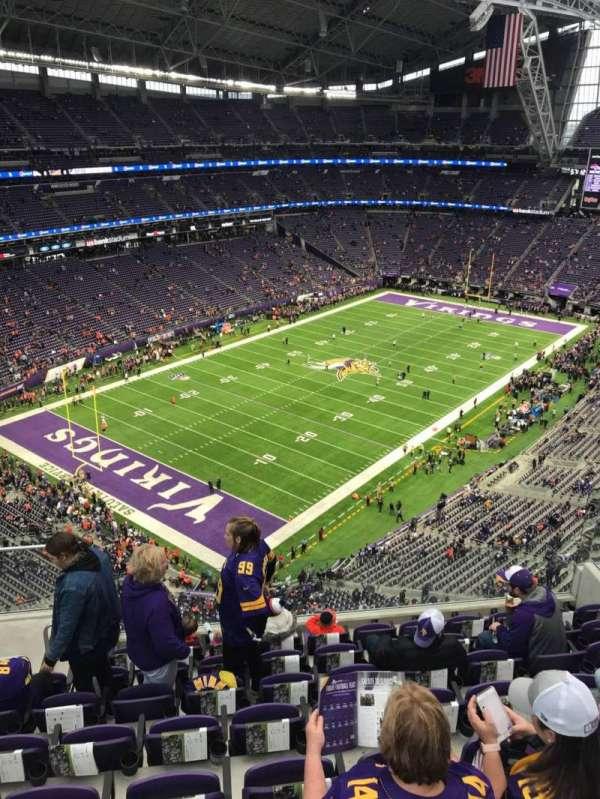 U.S. Bank Stadium, sección: 349, fila: 8, asiento: 13