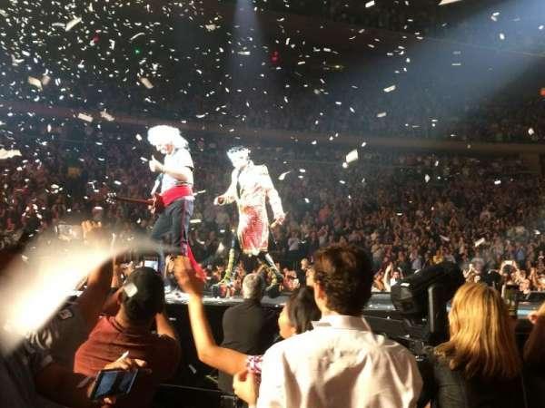 Madison Square Garden, sección: B, fila: 9, asiento: 1