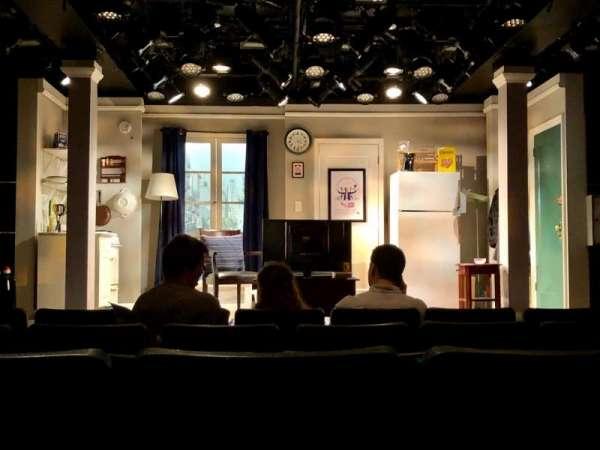 Westside Theatre, sección: Center Orchestra, fila: F, asiento: 105