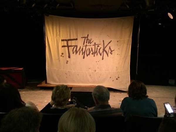 Jerry Orbach Theater, sección: Orchestra, fila: D, asiento: 107