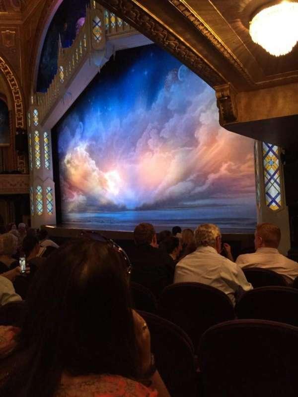 Eugene O'Neill Theatre, sección: Orchestra R, fila: J, asiento: 26