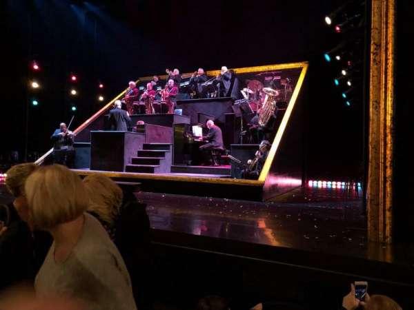 Ambassador Theatre, sección: Orchestra R, fila: C, asiento: 6