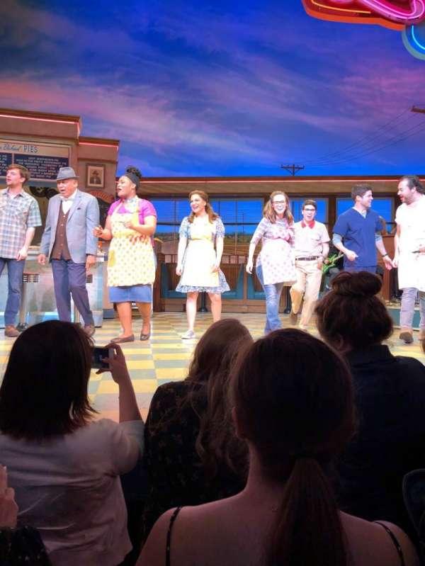 Brooks Atkinson Theatre, sección: Orchestra, fila: A, asiento: 109