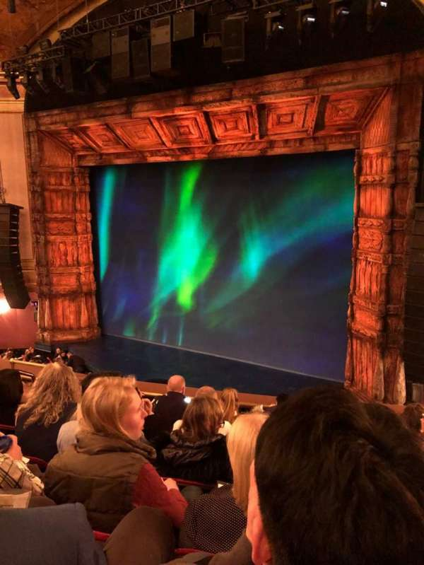 St. James Theatre, sección: Mezzanine R, fila: F, asiento: 12
