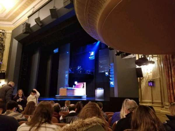 Music Box Theatre, sección: Orchestra, fila: J, asiento: 22