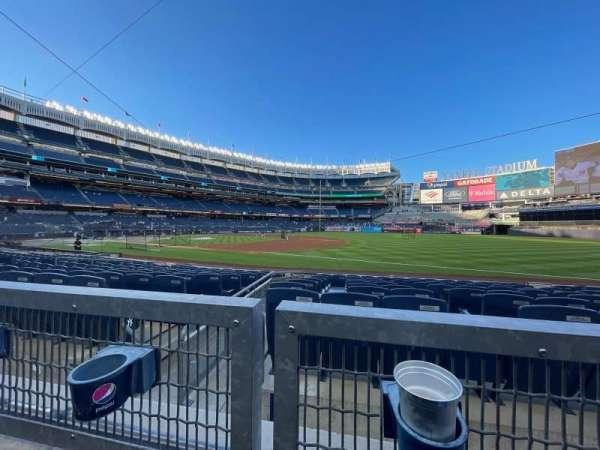 Yankee Stadium, sección: 113, fila: 1, asiento: 10