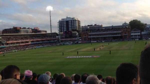 Lord's Cricket Ground, sección: 19, fila: T, asiento: 72