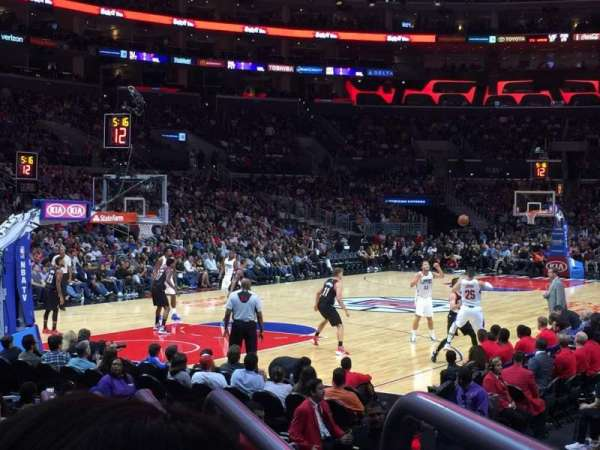 Staples Center, sección: 105, fila: 9, asiento: 1
