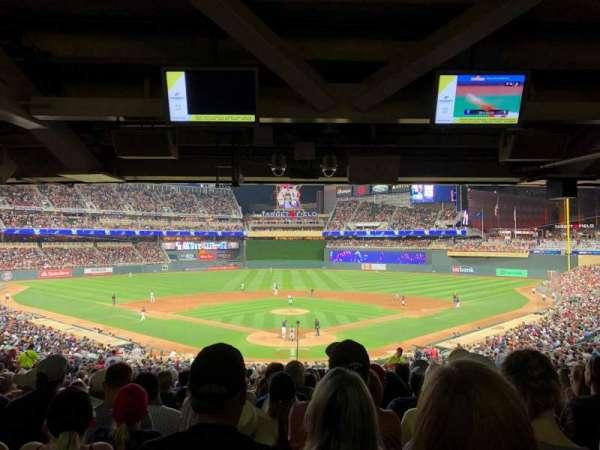 Target Field, sección: 114, fila: 28, asiento: 7