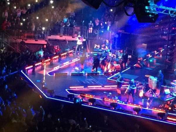 Madison Square Garden, sección: 211, fila: 1, asiento: 22