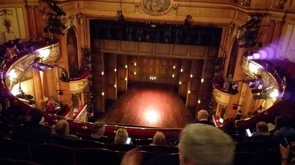 Gielgud Theatre, sección: Grand Circle, fila: F, asiento: 13