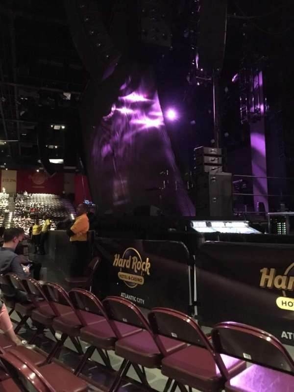 Hard Rock Live at Etess Arena, sección: 101, fila: C, asiento: 9