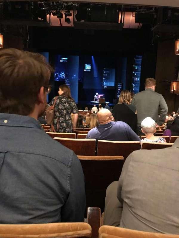 Ahmanson Theatre, sección: Orchestra, fila: V, asiento: 27