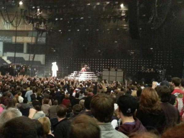 Blue Cross Arena, sección: 122, fila: E, asiento: 10