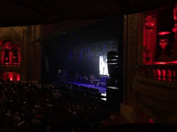 Chicago Theatre, sección: Balcony Box 10, fila: A, asiento: 14