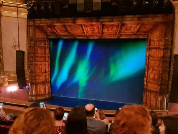 St. James Theatre, sección: MEZZC, fila: F, asiento: 102