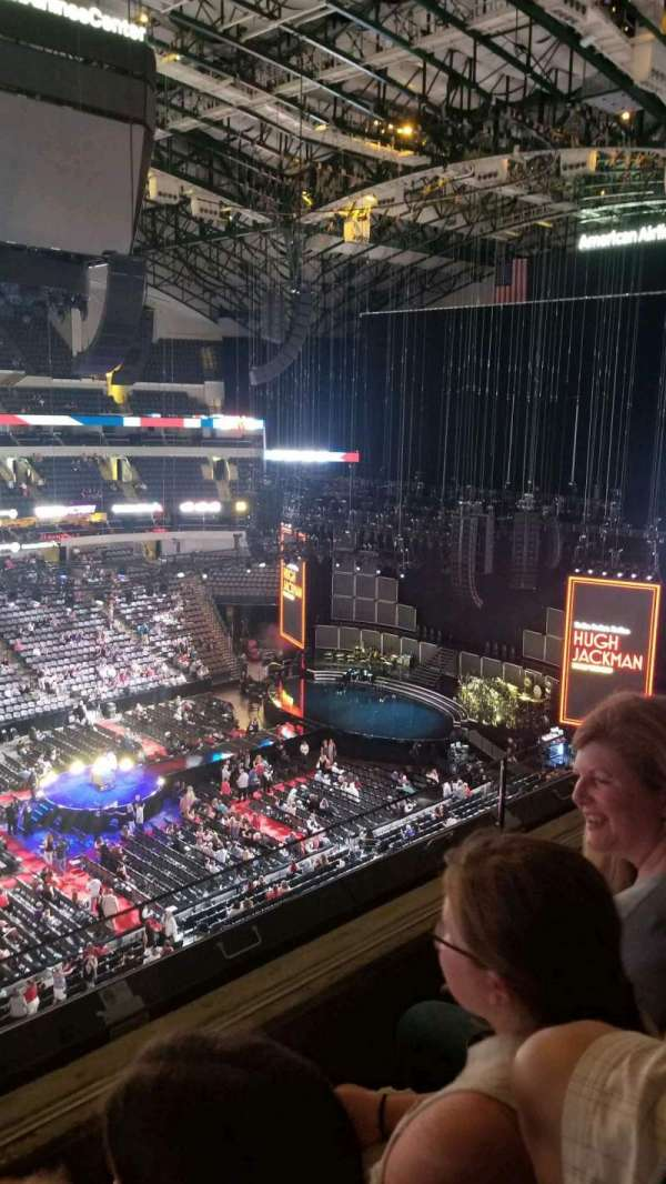 American Airlines Center, sección: 311, fila: B, asiento: 18