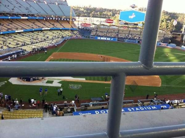 Dodger Stadium, sección: 10RS, fila: A, asiento: 19