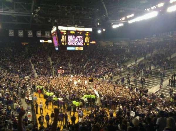 Bramlage Coliseum, sección: 27, fila: 22, asiento: 3