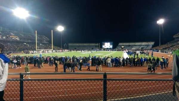 UB Stadium, sección: 135, fila: B, asiento: 1