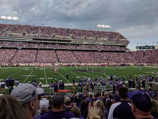 Bill Snyder Family Stadium, sección: 4, fila: 13, asiento: 23
