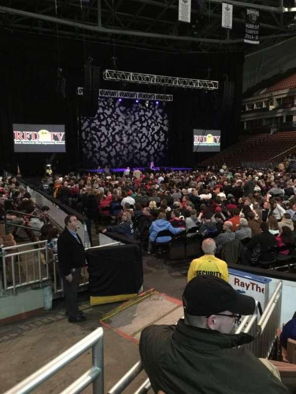 SNHU Arena, sección: 104, fila: F, asiento: 2