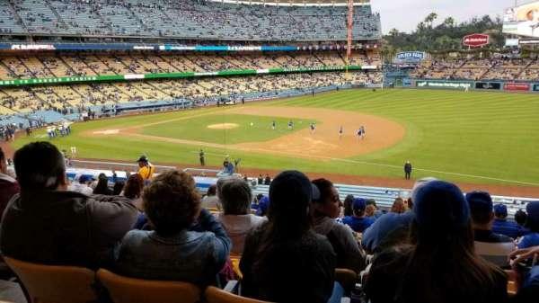 Dodger Stadium, sección: 144LG, fila: P, asiento: 4