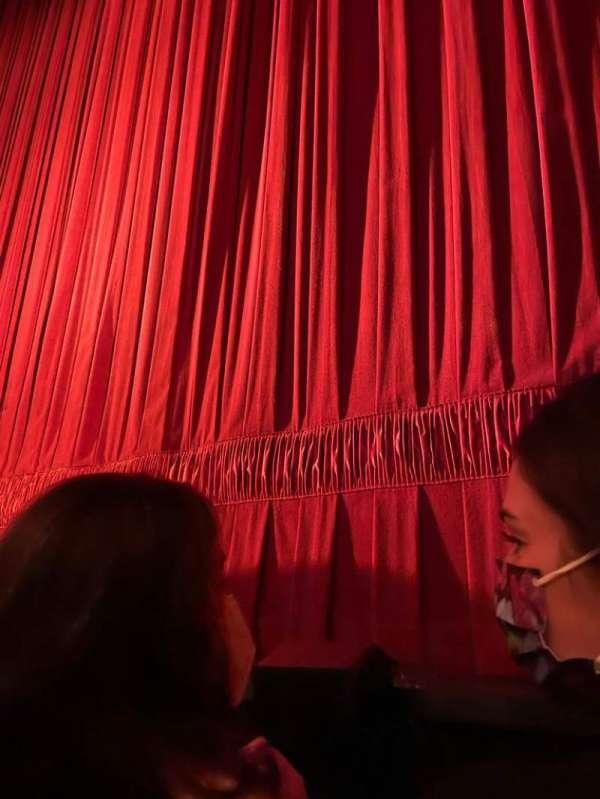 August Wilson Theatre, sección: Orchestra, fila: A, asiento: 101