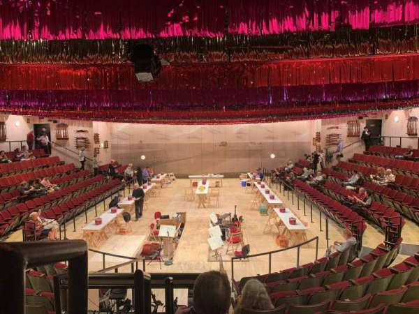 Circle in the Square Theatre, sección: Orchestra 100 (Even), fila: J, asiento: 102