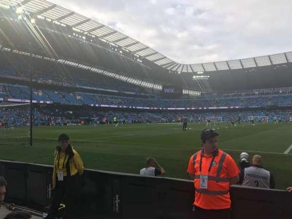 Etihad Stadium (Manchester), sección: 114, fila: 3, asiento: 361