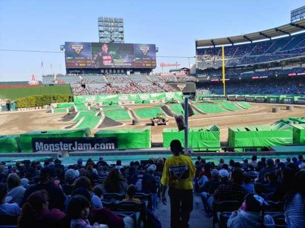 Angel Stadium, sección: T209, fila: A, asiento: 21