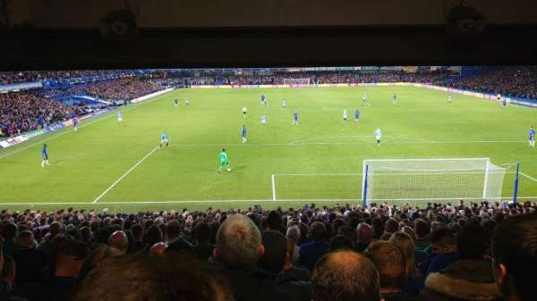 Stamford Bridge, sección: Matthew Harding Lower 13, fila: FF, asiento: 101