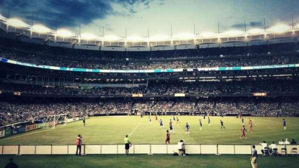 Yankee Stadium, sección: 105, fila: 18, asiento: 3