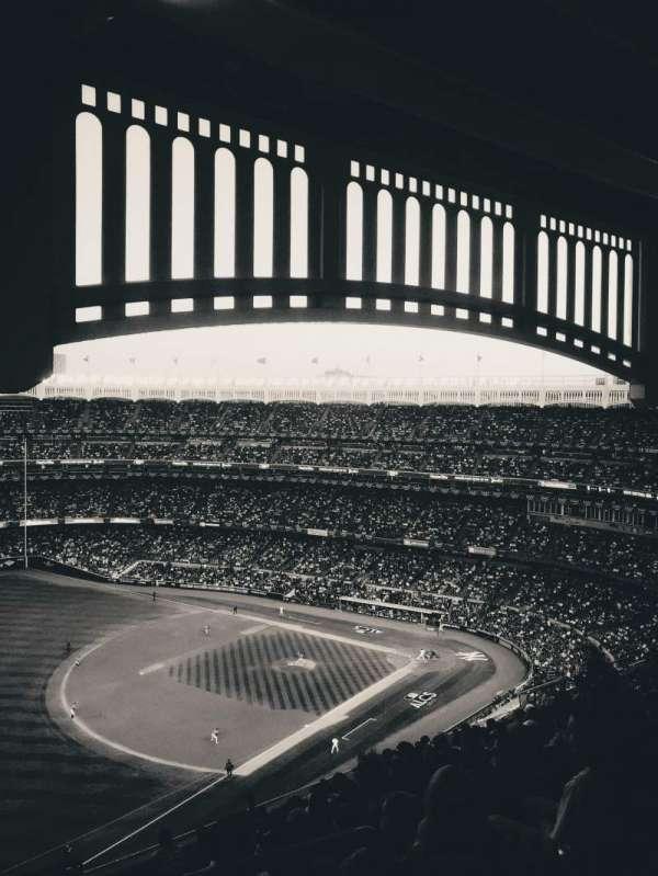 Yankee Stadium, sección: 430, fila: 13, asiento: 2