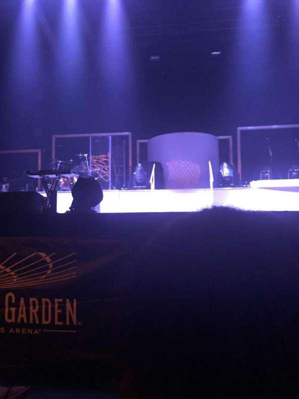 Hulu Theater at Madison Square Garden, sección: 100, fila: F, asiento: 10