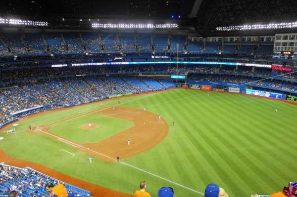 Rogers Centre, sección: 513L, fila: 12, asiento: 110