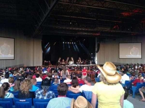 PNC Music Pavilion, sección: 8, fila: u, asiento: 4